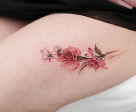 Female small and fresh 9 beautiful flowers tattoo pictures