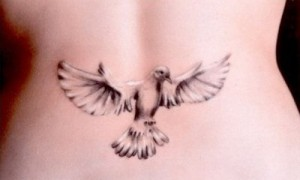 Girl behind the waist tattoo girl on the waist black pigeon tattoo picture