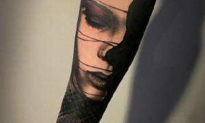Baby arm realized tattoo 15 baggage arm of Europe and America realistic black gray pattern