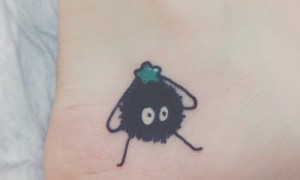 Footwise root simple color cartoon coal ball tattoo pattern