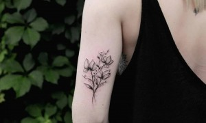 9 small and clear new tattoo pictures of different parts of women